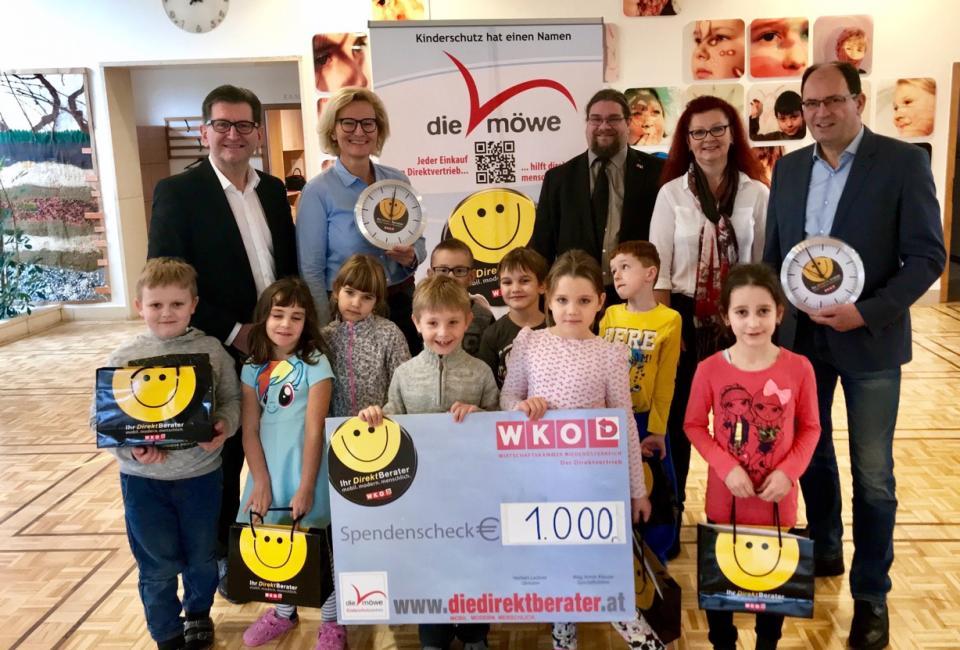 Scheckübergabe Direktberater Volksschule Krems-Lerchenfeld